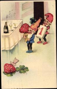 Ak Glückwunsch Neujahr, Zwerge, Sektflasche, Fliegenpilze, Kalender, Kleeblätter