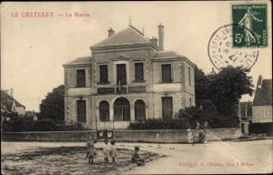 Ak Le Chatelet en Brie Seine et Marne, La Mairie