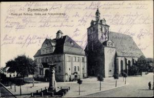 Ak Dommitzsch Elbe Nordsachsen Sachsen, Markt mit Rathaus, Kirche und Kriegerdenkmal