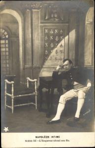 Ak Napoleon Intime, Scene III, L'Empereur attend son fils