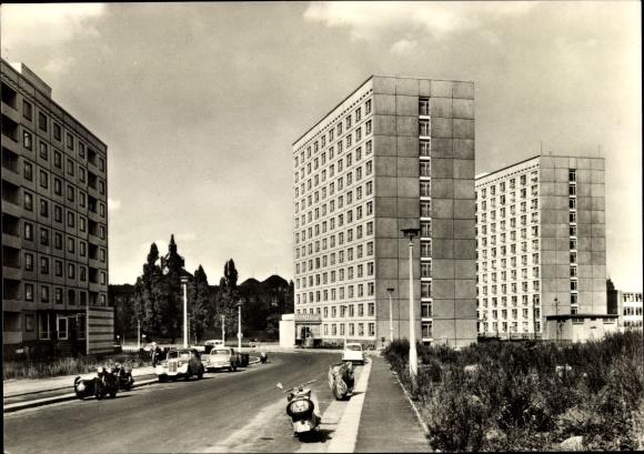 Ak Dresden Zentrum Altstadt, Hochhaus Hotel Dresden Tourist, Terrassenufer, Motorräder, Autos 0