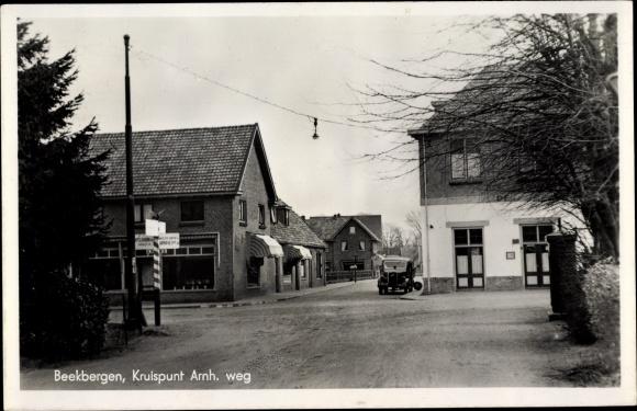 Ak Beekbergen Gelderland, Kruispunt Arnh weg 0