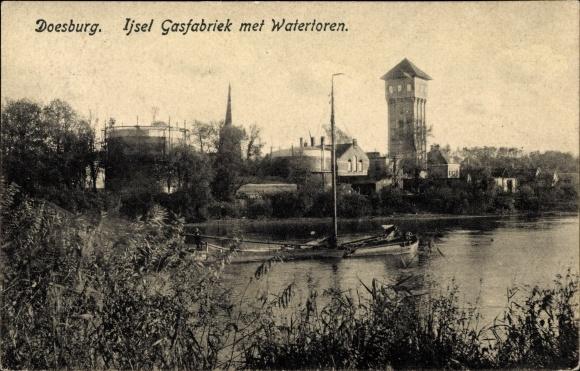 Ak Doesburg Gelderland Niederlande, Ijsel Gasfabriek met Watertoren, Wasserturm 0