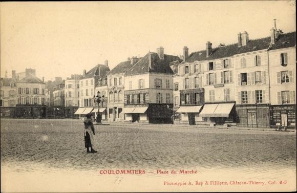 Ak Coulommiers Seine et Marne, Place du Marché 0