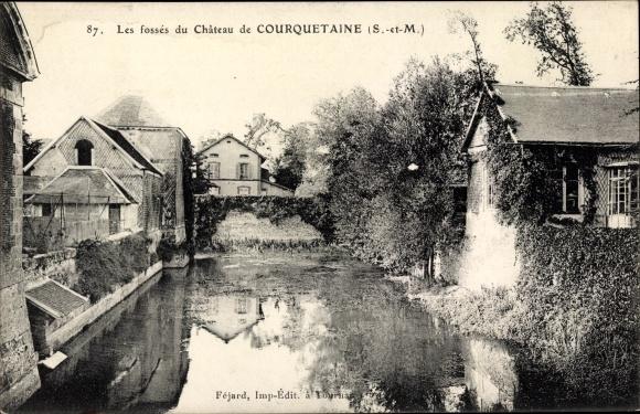 Ak Courquetaine Seine et Marne, Les fossés du Château 0