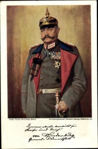 Künstler Ak Paul von Hindenburg in Uniform, Säbel, Fernglas, Pickelhaube