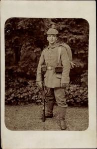 Foto Ak Soldat in Uniform, Pickelhaube