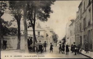 Ak Colombes Hauts de Seine, La rue de la Reine Henriette
