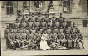 Foto Ak KuK Soldaten in Uniformen, Koch, Gruppenfoto