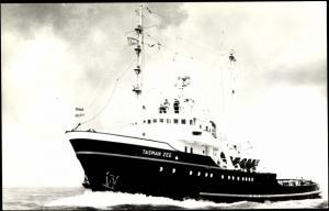 Ak Schleppschiff M.T. Tasman Zee bei voller Fahrt, L.Smit & Co.