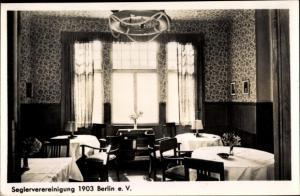 Ak Berlin Wannsee, Seglervereinigung 1903 Berlin e.V., Innenansicht