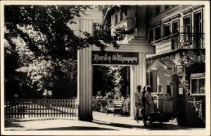 Ak Graal Müritz im Kreis Rostock, Blick auf das Haus Elisabeth, Eingangstor