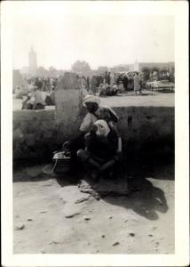 Foto Ak Casablanca Marokko, Barbier auf der Straße
