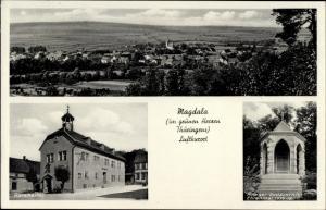 Ak Magdala Thüringen, Totalansicht vom Ort, Ratskeller, Kriegergedächtnisehrenmal