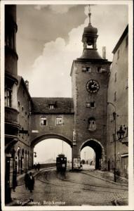 Ak Regensburg an der Donau Oberpfalz, Brückentor