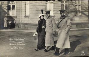 Ak Herzog Ernst August von Braunschweig, Prinzessin Victoria Luise von Preußen, Prinz Oskar