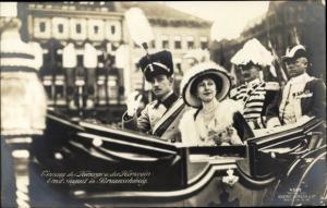 Ak Herzog Ernst August von Braunschweig, Prinzessin Victoria Luise von Preußen, Kutsche
