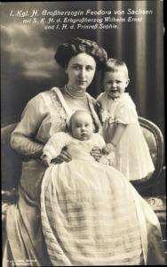 Ak Großherzogin Feodora von Sachsen mit Erbgroßherzog Wilhelm Ernst und Prinzessin Sophie