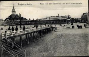 Ak Świnoujście Swinemünde Pommern, Seebrücke, Kurpromenade