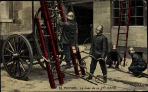 Ak Pompiers, la base de la grande echelle, Feuerwehrleute