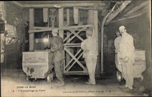 Ak Dans la Mine, l'Accrochage du Fond, Bergleute in der Mine