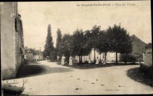 Ak La Chapelle-Vieille-Forêt Yonne, Place des Tilleuls