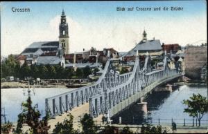 Ak Krosno Odrzańskie Crossen Oder Ostbrandenburg, Brücke, Gesamtansicht, Kirche
