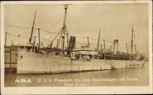 Ak USS Freedom, amerikanisches Kriegsschiff, Truppentransporter