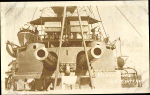 Foto Ak USS Monterey, 10 inch guns, amerikanisches Kriegsschiff, Geschütze