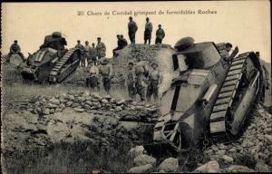 Foto Ak Chars de Combat, Roches, Französische Soldaten mit Panzern, Gruppenbild