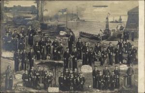 Foto Ak Deutsche Seeleute in Uniform, Kaiserliche Marine