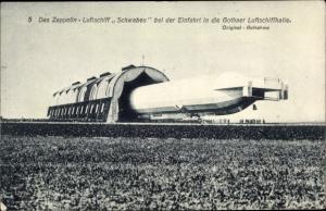 Ak Gotha in Thüringen, Zeppelin Luftschiff Schwaben, Einfahrt in die Luftschiffhalle