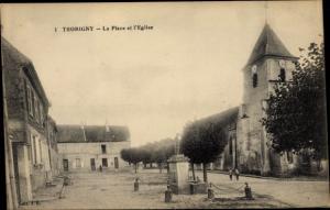 Ak Thorigny sur Marne Seine et Marne, La Place et l'Église