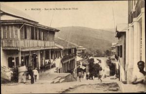 Ak Matadi DR Kongo Zaire, Rue de la Poste, Vue de l'Est