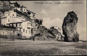 Ak Ventimiglia Liguria, Les Rochers, Lo Scoglio alto alla sulla spiaggia del mare