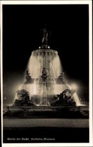 Ak Berlin Tiergarten, Herkules Brunnen bei Nacht