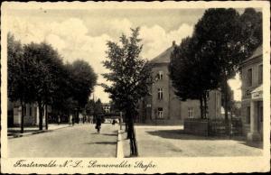 Ak Finsterwalde in der Niederlausitz, Sonnenwalder Straße, Sommer