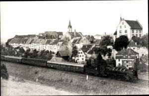 Foto Ak Engen im Hegau, Dampflokomotive 39 060 vor Personenzug D 8