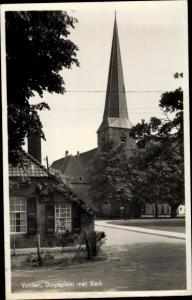 Ak Vorden Gelderland Niederlande, Dorpsplein met Kerk