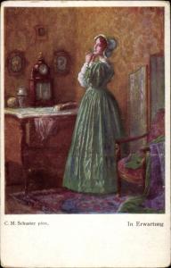 Künstler Ak Schuster, Karl M., In Erwartung, Frau in grünem Kleid