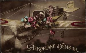 Ak L'Aeroplane d'Amour, Liebespaar im Flugzeug