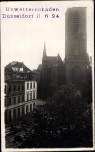 Foto Ak Düsseldorf am Rhein, Unwetterschäden 8. Juni 1924, Karl Nordmeyer, Kirche