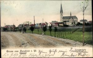 Ak Herzfeld in Westfalen, Totalansicht von Ort, Kirche