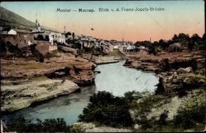 Ak Mostar Bosnien Herzegowina, Gesamtansicht von der Franz Josefs Brücke