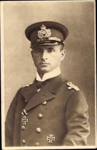 Ak Otto Weddigen, Marineoffizier, Kapitänleutnant, Portrait in Uniform, Eisernes Kreuz