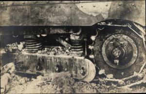 Foto Ak Teilansicht von einem englischen Panzer, Tank, I. WK