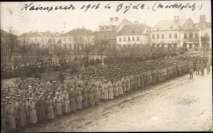 Ak Bijela Montenegro, Kaiserparade 1916 auf dem Marktplatz, Deutsche Soldaten