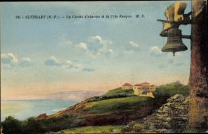 Ak Guéthary Pyrénées Atlantiques, La Cloche d'alarme et la Cote Basque, Glocke
