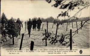 Ak Argonne, Nos officiers examinant les positions ennemies derriere les fils de fer barbelés, I. WK