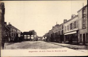 Ak Angerville Essonne, Entrée du Pays, Place du Marché au Blé